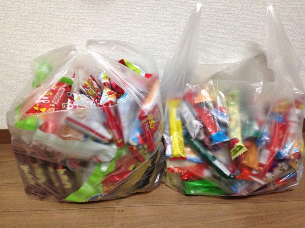 大量のお菓子